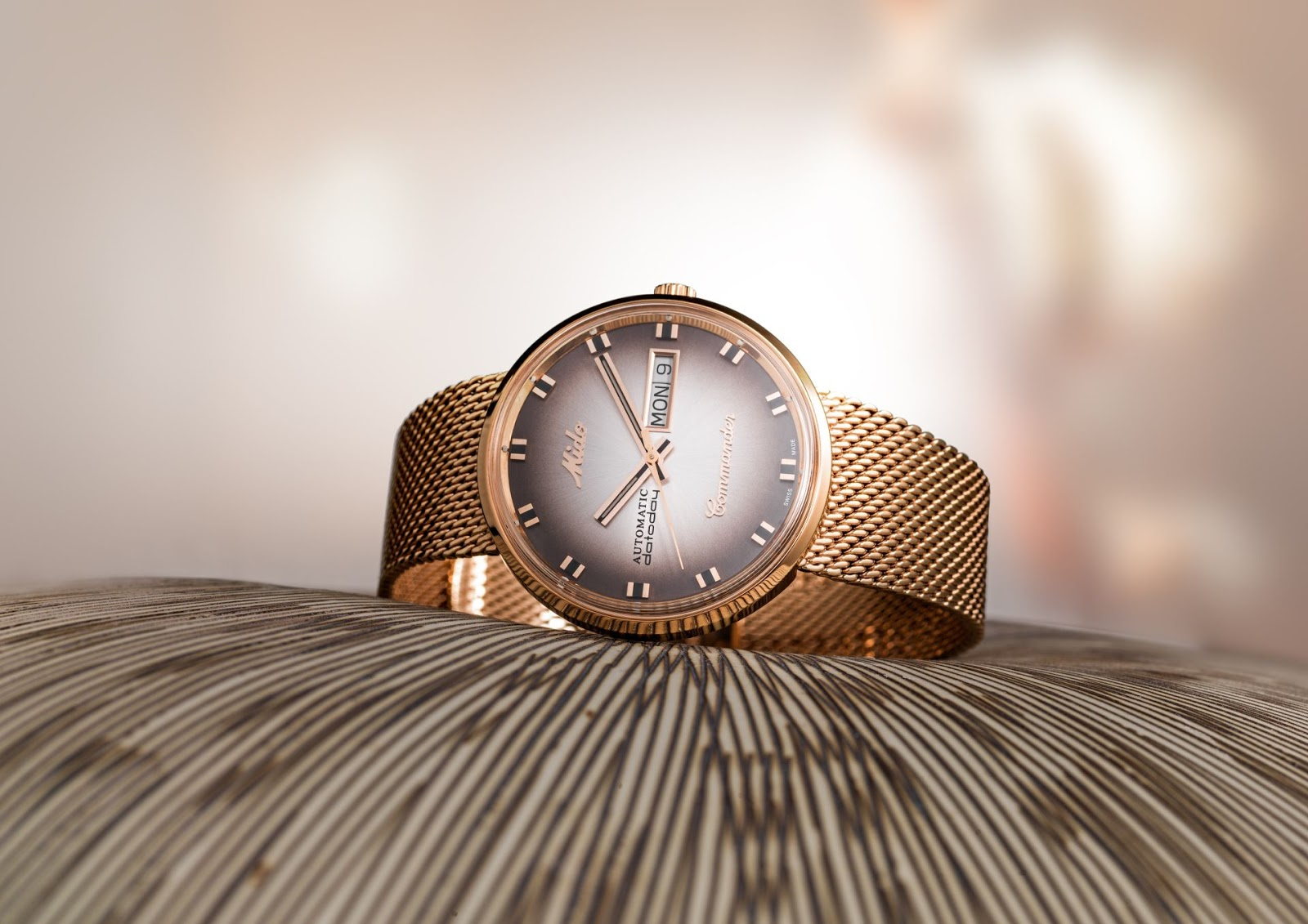 Mido commander shade special edition in rose gold pvd case for Commander rose